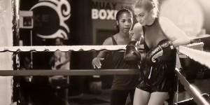 Gigi Hadid le top model enfile les gants de boxe